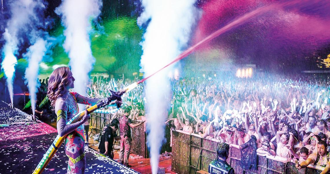 """FALLECEN DOS ADOLESCENTES EN EL FESTIVAL """"LIFE IN COLOR"""" EN ESTAMBUL"""